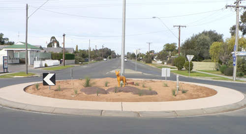 New sculpture and garden installed at the Borung Highway roundabout