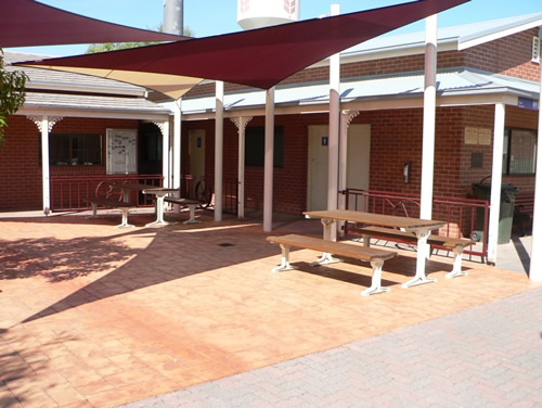 New shade sails and outdoor furniture at Warracknabeal Tourist Centre