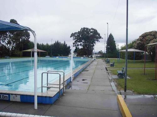 Moe outdoor pool before refurbishment